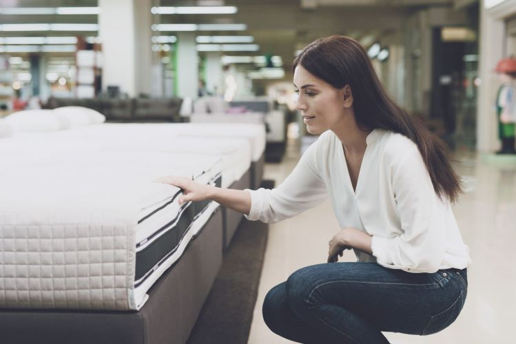Selecting the Ideal Comfort Level for the Best Mattress for Lower Back: Firm or Plush?